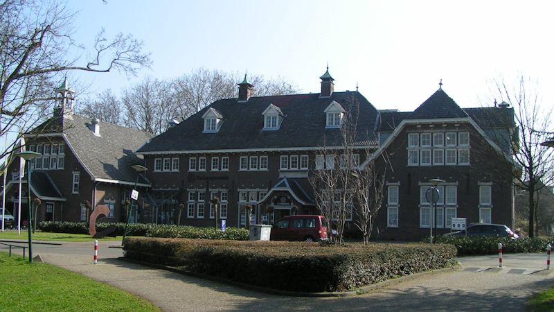 Martha Stichting, Kon. Wilhelminaschool